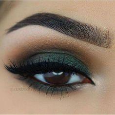 beautiful brown eyes with green eyeshadow # make-up … – Makeup 2019 Matte Makeup, Skin Makeup, Eyeshadow Makeup, Eyeshadows, Eyeshadow Palette, Eyeshadow Ideas, Makeup Tarte, Teal Eye Makeup, Makeup Eyebrows