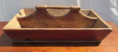 19TH CENTURY PRIMITIVE PINE CANTED CUTLERY TRAY WITH HANDLE #Primitive Cutlery Trays, Antique Pine Furniture, Apple Boxes, Early American, Country Primitive, Primitives, Colonial, 19th Century, Totes