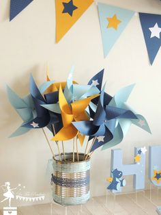Set of 10 pinwheels in light blue color navy blue and yellow decor wind star maman gorille et son petit Yellow Party Decorations, Birthday Decorations, Table Decorations, Decoration Party, Deco Baby Shower, Baby Boy Shower, Theme Bapteme, Baby Boy Themes, Yellow Birthday
