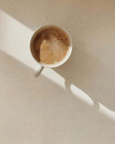 Cream Aesthetic, Aesthetic Coffee, Brown Aesthetic, Aesthetic Photo, Aesthetic Pictures, Summer Aesthetic, Images Esthétiques, Story Instagram, Page Instagram