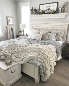 Master Bedroom Makeover Ideas Green - 54 simply farmhouse master bedroom design ideas match for Farmhouse Master Bedroom, Master Bedroom Design, Dream Bedroom, Home Bedroom, Cozy Master Bedroom Ideas, Bedroom Designs, Bedroom Wall, Guest Bedroom Decor, Pretty Bedroom