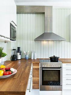 plan de travail cuisine en bois style et élégance hotte aspirante et four