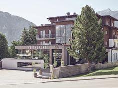 ARX Boutiquehotel in der Skiregion Schladming-Dachstein // ARX boutique hotel in the skiing area Schladming-Dachstein Hotels, Boutique, Skiing, Mansions, House Styles, Home Decor, Ski Trips, Ski, Decoration Home