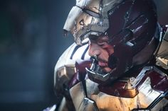 Hints at 'Iron Man Return - Robert Downey Jr. may only be contracted to do two more 'Avengers' movies, but recent comments suggest that this may not be the end of him as Tony Stark Tony Stark, Robert Downey Jr, Iron Man 3 Trailer, Trailer 2, The Walking Dead, Marvel Cinematic Universe Timeline, Marvel Universe, New Iron Man, Dc Anime