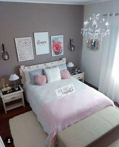 Decoração de quarto feminino com cama de casal detalhes em cinza e rosa quadros na parede Girl Bedroom Designs, Room Ideas Bedroom, Small Room Bedroom, Home Bedroom, Living Room Designs, Bedroom Decor, Bedrooms, Cute Room Decor, Stylish Bedroom