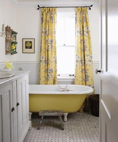 Yellow bungalow bathroom