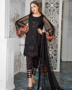Buy Charizma Net Suit Master Replica Available at Replica Zone. Free Delivery all over Pakistan. Net Dresses Pakistani, Pakistani Dress Design, Pakistani Outfits, Indian Dresses, Stylish Dresses For Girls, Casual Dresses, Frock Fashion, Fashion Dresses, Indian Designer Outfits
