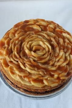 appel caramel cheesecake Sweet Desserts, No Bake Desserts, Just Desserts, Delicious Desserts, Y Food, Food And Drink, Apple Recipes, Baking Recipes, Caramel Cheesecake