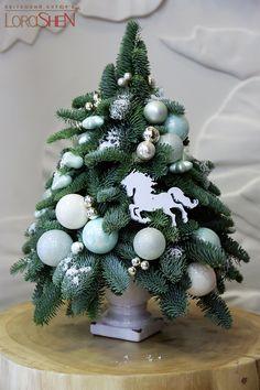Флористика — Lorashen Christmas 2018 Ideas, Christmas Mood, Christmas Wreaths, Merry Christmas, Christmas Decorations, Xmas, Holiday Decor, Christmas Arrangements, Deco Floral