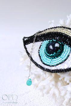 Eye brooch - modern and trendy brochees #beadedjewelry #embroideredjewelry #brooch #eye
