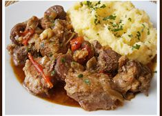 Mashed Potatoes, Beef, Ethnic Recipes, Food, Treats, Eat Lunch, Whipped Potatoes, Meat, Sweet Like Candy