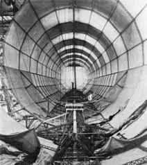 Zeppelin L2 interior