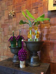 the traditional Thai flower. Thai Style, Flower Crown, Handicraft, Flower Arrangements, Garland, Men's Fashion, Culture, Display, Traditional