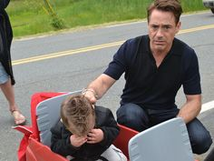 Robert Downey Jr. makes toddler cry by not being Iron Man