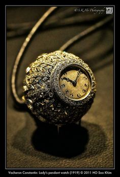 Vacheron Constantin: Lady's pendant watch (1919)