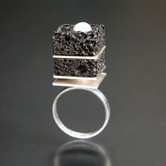 Ring   Alexander Vali.  'Chocolate Dessert'.  Sterling silver, lava rock and a pearl