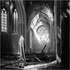 In the center of the city of Lede, Belgium, Castle of Mesen, the chapel. copyright © Henk van Rensbergen 1995-2001