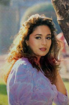 Résultat d'images pour Madhuri dixit Vintage Bollywood, Indian Bollywood, Bollywood Stars, Beautiful Girl Indian, Most Beautiful Indian Actress, Beautiful Bollywood Actress, Beautiful Actresses, Beauty Full Girl, Beauty Women