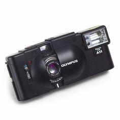 Olympus XA 35mm Compact Film CAMERA F2.8 Zuiko Prime Lens + A11 Flash Japan EXC