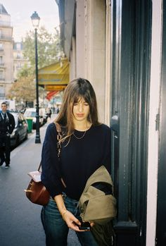 Octobre 2013, Paris. blue sweater denim brown bag, french style autumn spring style
