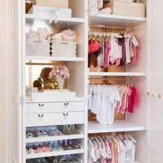 We call this nursery closet perfection! See 22 nursery closets to die for + tips from closet expert @laclosetdesign for how to create the perfectly organized closet. Closet Design: @laclosetdesign for @alifedotowsky