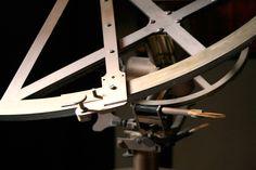 Sapete che cos'è l'Astronomia? È una parola antichissima che significa: la legge degli astri…e un astronomo è colui che studia scientificamente come gli astri (stelle e pianeti) sono fatti e come interagiscono tra di loro…