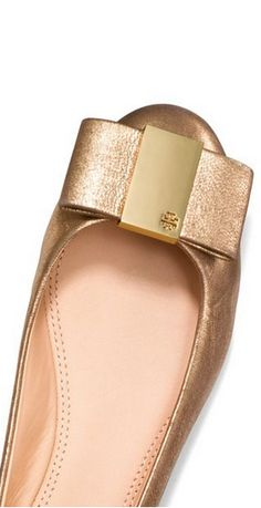 Gorgeous bow flats by Tory Burch
