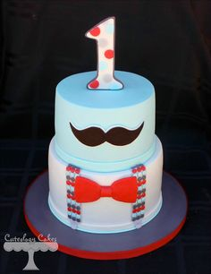 Mustache cake - would be really cute for Father's Day!