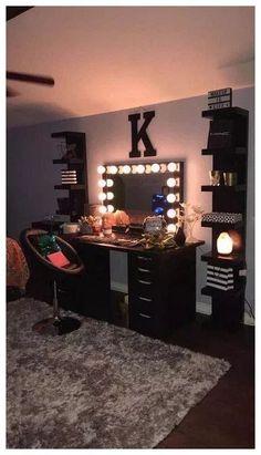 95 Simple Dormitory Makeup Room Ideas But Looks. - ✔️ 95 Simple Dormitory Makeup Room Ideas But Looks Beautiful 36 - Teen Room Decor, Room Ideas Bedroom, Living Room Decor, Bedroom Decor, Bedroom Designs, Shabby Bedroom, Girl Bathroom Decor, Dining Room, Bedroom Rustic