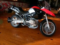 My first bike: BMW R1200 GS  1/12 Scale