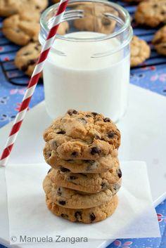 The perfect Chocolate Chip Cookies: crunchy on the edges and chewy in the middle!
