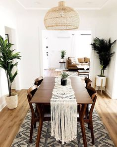 Your Weekend living room inspiration 📷 by - Interior - Home Interior, Interior Design Living Room, Living Room Decor, Dark Wood Furniture Living Room, Dark Wood Dining Table, Interior Livingroom, Dining Room Table, Kitchen Interior, Dining Room Inspiration
