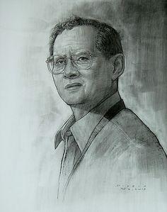"""""""ในหลวง ๑๙"""" ศิลปิน ดินหิน รักพงษ์อโศก เทคนิค ชาโคลบนกระดาษ ๕๕x๗๙ ซม. Bloggang.com : haiku : ๙ เส้นสายถวายพ่อหลวง"""