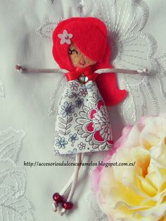 Quecas de Fieltro / Dolls felt mod15 http://accesoriosdulcescaramelos.blogspot.com.es/search/label/Mu%C3%B1ecas%20%28Quecas%20de%20Fieltro%29