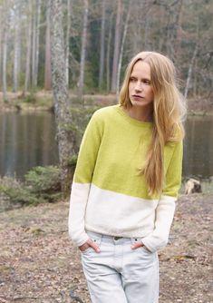 Nr 9 To-delt genser by Sandnes Design Long Sleeve Sweater, Ravelry, Knitwear, Knit Crochet, Sweaters For Women, Turtle Neck, Pullover, Shorts, Pattern
