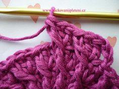 Háčkovaná bekovka se šiltem. :: . Crochet, Fashion, Crochet Batwing Tops, Moda, Fashion Styles, Ganchillo, Crocheting, Fashion Illustrations, Knits