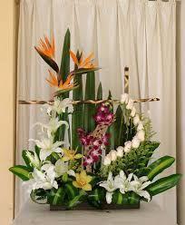 Selecting The Flower Arrangement For Church Weddings – Bridezilla Flowers Altar Flowers, Church Flowers, Funeral Flowers, Wedding Flowers, Tropical Flower Arrangements, Artificial Floral Arrangements, Funeral Flower Arrangements, Exotic Flowers, Beautiful Flowers