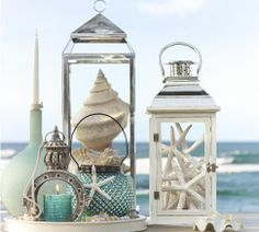 Decorate with shells and lanterns.