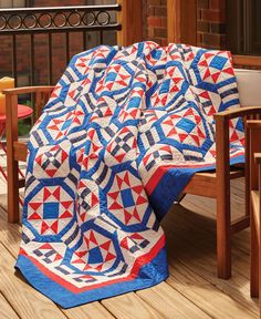 A lovely patriotic quilt pattern, this Quilt of Valor called Glory Stars, by Nancy Mahoney, features red, white and blue solid fabrics. Come see what makes this quilt so special! Get the quilt kit while supplies last.