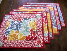 Placemat tutorial, would do this and fussy cut the center section to coordinate with the chicken/rooster decor in the kitchen.