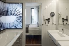 Cool glass design in this bathroom at hotel Scandic Berlin Potsdamer Platz. Berlin Hotel, Potsdamer Platz, Next Door, Toilets, Bathroom Styling, Glass Design, Interior Design Inspiration, Hotels, Cool Stuff