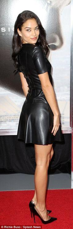 Shanina Shaik sizzles in leather mini dress at Concussion premiere Leather Mini Dress, Leather Dresses, Leather And Lace, Leather Skirt, Black Leather, Tight Dresses, Sexy Dresses, Fashion Dresses, Latex Fashion