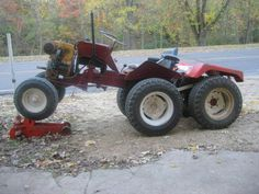 i want to know how i can make a garden tractor help please Yard Tractors, Small Tractors, Compact Tractors, Bolens Tractor, Small Garden Tractor, Garden Tractor Pulling, Garden Tractor Attachments, Homemade Tractor, Garden Tool Storage