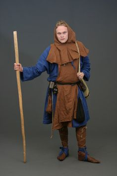 Medieval men's costume by Lunacra on DeviantArt Renaissance Clothing, Medieval Fashion, Historical Costume, Historical Clothing, Mens Garb, Medieval Costume, Fantasy Costumes, Larp, Poses