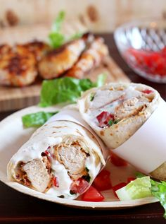Easy and Quick Chicken Ranch Wraps with breaded Chicken tenders and creamy Ranch Dressing Recipe ~ Schnelle udn einfache Hähnchen Wraps mit Ranch Dressing und gebackenen Hähnchennuggets Rezept