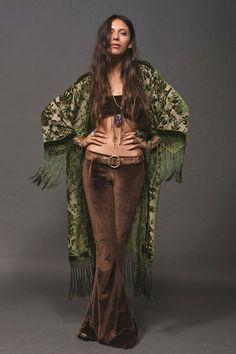 New Bohemian: Boho chic de cara nova Boho Gypsy, Bohemian Mode, Gypsy Style, Bohemian Fashion, Bohemian Kimono, Boho Fashion Winter, Gypsy Cowgirl, Hippie Chic, Boho Chic