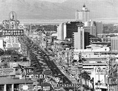 learning from las vegas venturi - Google Search Vegas Casino, Las Vegas Strip, Las Vegas Nevada, Vegas 2, Lost Vegas, Casino Hotel, Neon Run, Atlantic City Casino, Cities