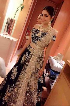 Indian Lehenga Choli Ethnic New Bollywood Wedding Bridal Party Wear Dress 45 Indian Bridal Lehenga, Pakistani Bridal, Pakistani Dresses, Indian Dresses, Lehenga Wedding, Bollywood Wedding, Desi Wedding, Indian Clothes, Indian Sarees