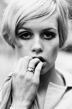 Christian | vintagegal: Twiggy, 1966