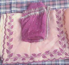 Salwar Suit Neck Designs, Neck Designs For Suits, Kurta Neck Design, Sleeves Designs For Dresses, Dress Neck Designs, Embroidery Suits Punjabi, Embroidery Suits Design, Embroidery Fashion, Embroidery Designs